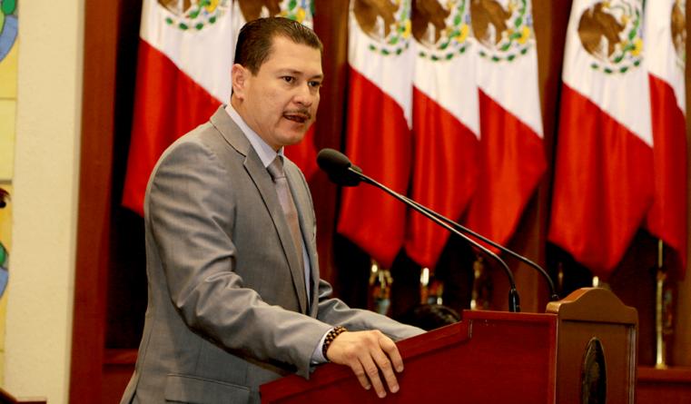 Parientes incómodos; hermano de diputado Óscar Valdez detenido por la Marina