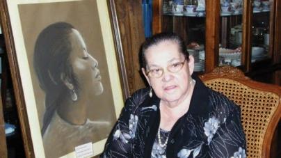 COSAS DE MÍ: Rina Cuéllar descrita por ella misma