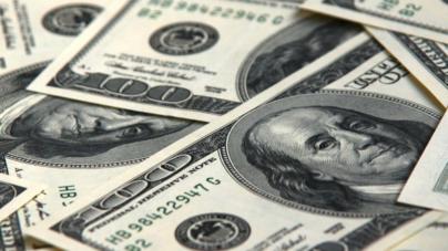 Peso cierra mal la semana: se deprecia aún más frente al dólar