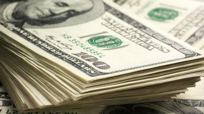 Dólar alcanza niveles jamás vistos en México: llega a los 16.90 pesos