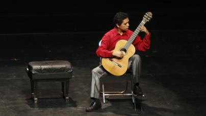 Mexicanos triunfan en Concurso Internacional de Guitarra