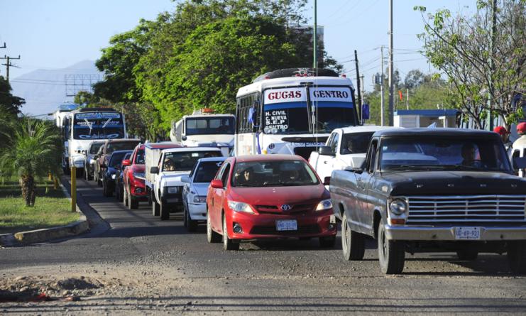 Obras viales lentas en Culiacán, elevan el gasto de combustible en vehículos