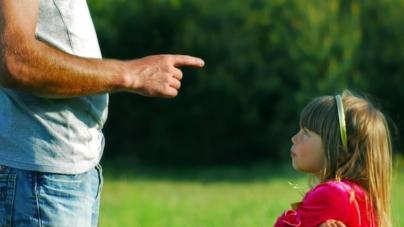 La frase que deberías de dejar de decirle a tus hijos