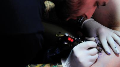 Con el Arte en la Piel | La elección de tatuarse gana terreno