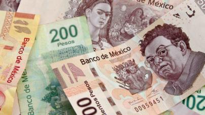 Peso gana terreno; dólar baja de las 19 unidades