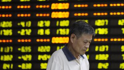 Desplome de bolsa bursátil china golpea al petróleo y al peso