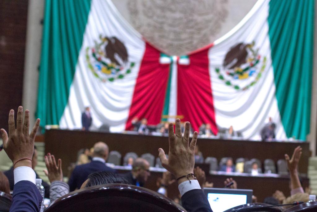 MÉXICO, D.F., 18OCTUBRE2015.- Diputados votaron en el Pleno de la Camara de Diputados. FOTO: ENRIQUE ORDÓÑEZ /CUARTOSCURO.COM