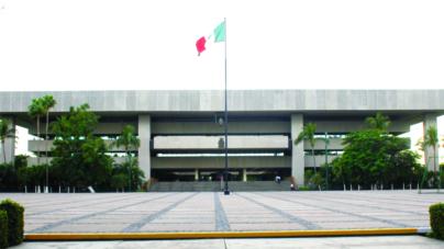 Los tiradores   Aspiran 20 políticos a suceder en el cargo a Mario López Valdez