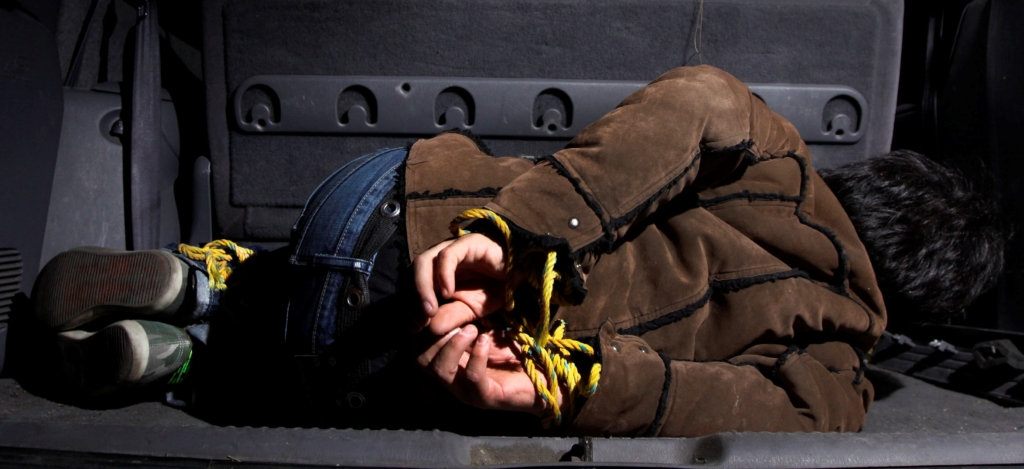 PUEBLA, Pue. 09 2014.- Imágenes ilustrativas de Secuestro. Datos proporcionados por la Asociación Alto al Secuestro, afirma que Puebla se ubicó entre las 14 entidades del país con mayor número de secuestros al sumar 56 denuncias por este delito, durante el periodo del primero de diciembre del 2012  y el  28 de febrero del 2014. El estado mantiene una tasa de 0.8 secuestros por cada 100 mil habitantes, por debajo de la media nacional que es de 2.5 sucesos por cada 100 mil. //Agencia Enfoque//