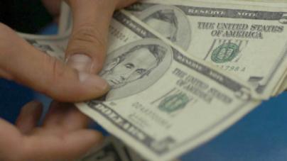 #TipoDeCambio | Dólar rebasa la barrera de 18 pesos