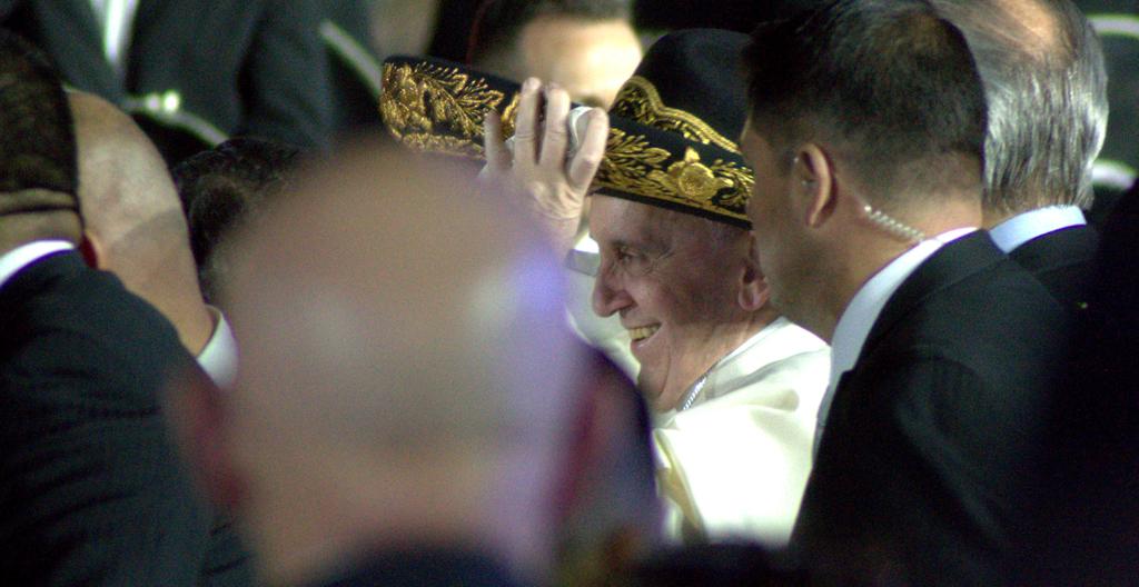 CIUDAD DE MÉXICO, 12FEBRERO2016.- El Papa Francisco arribó al AICM,  donde fue recibido por el presidente Enrique Peña Nieto, en su visita a nuestro país. FOTO: GALO CAÑAS /CUARTOSCURO.COM