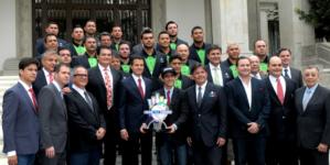 #Fotogalería | 'Venados' de Mazatlán son recibidos por el presidente en Los Pinos