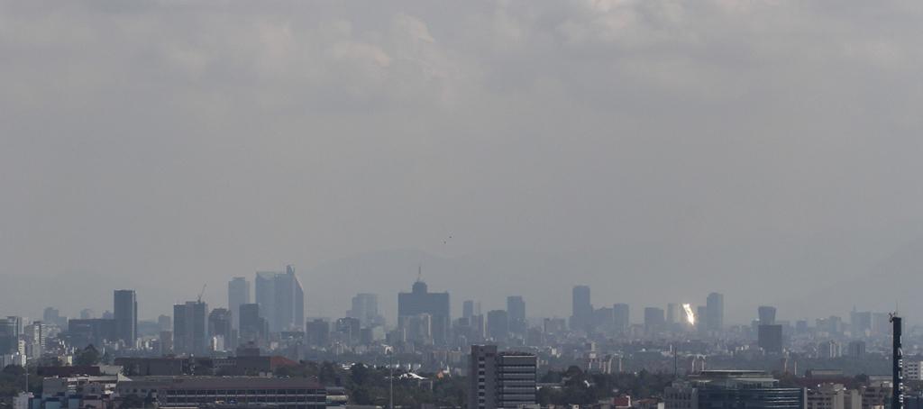 CIUDAD DE MÉXICO, 16JUNIO2016.- La Ciudad de México luce despejada y con poca contaminación. Según el Sistema de Monitoreo Atmosférico la calidad del aire es buena. FOTO: ISAAC ESQUIVEL /CUARTOSCURO.COM