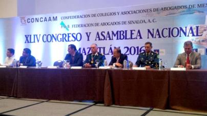 Abogados reconocen a Salvador Cienfuegos 'por mantener seguro al país'
