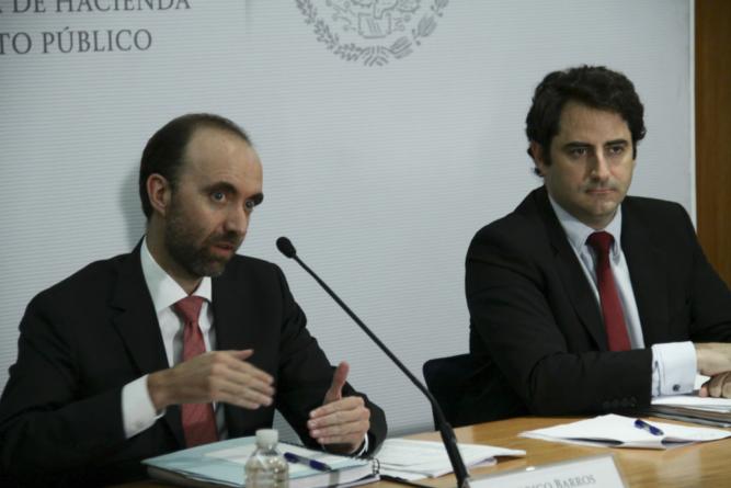 Gasolinazos no son decisión del gobierno: Hacienda
