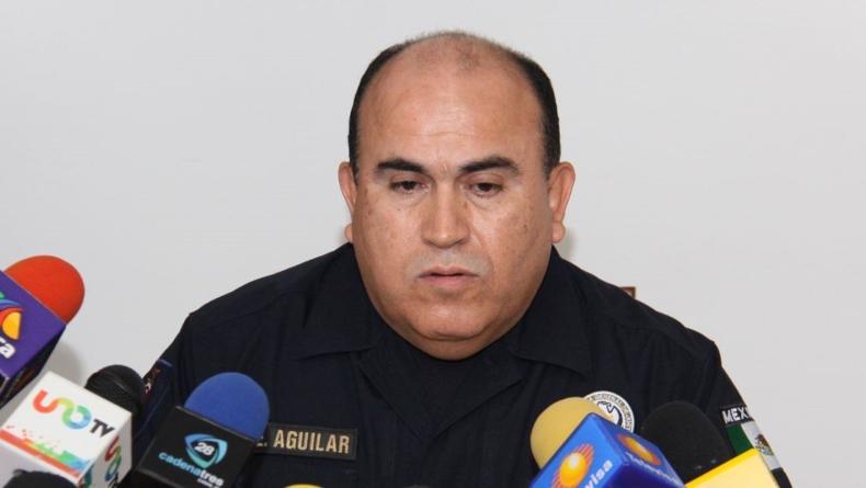 SALVANDO AL POLICÍA CHUYTOÑO | Alista Aguilar Íñiguez salto transexenal