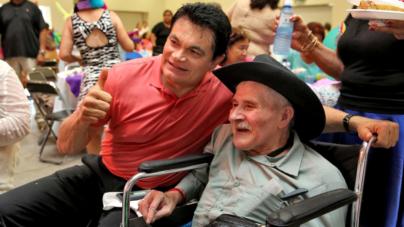 Agradece Malova a abuelitos por aporte al estado… pero les quita apoyos del 70 y más