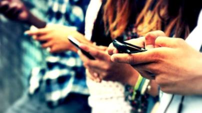 Adicción a redes sociales provoca trastornos psicológicos: CEUS
