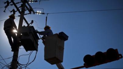 Sinaloa sin luz, CFE asegura ya tener reparado el 99% de las redes de energía