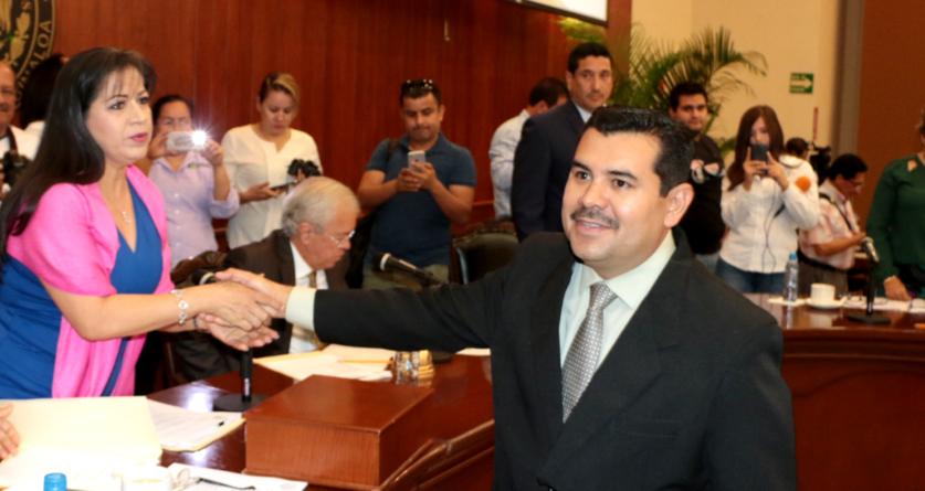 Concordia tiene nuevo alcalde | Nombra Congreso a Juan Isidro Paredes como sustituto