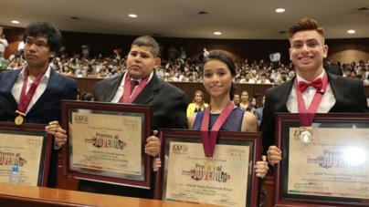 'México está urgido de los mejores jóvenes' | Entrega Congreso premios al Mérito Juvenil