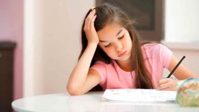 ONU propone terminar con las tareas escolares