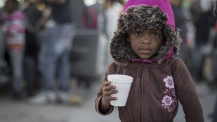17 mil migrantes haitianos africanos atraviesan México en su camino hacia EE. UU.