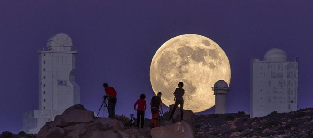 No necesitas que te bajen la Luna… ¡ella vendrá a ti!