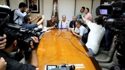 Manifestaciones doblan al Gobierno | Hoy empieza a pagar aguinaldos y bonos a burócratas