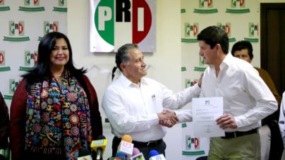 Carlos Gandarilla releva en dirigencia del PRI a Rosa Elena Millán y hay nuevo delegado del CEN