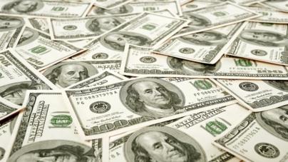 No resiste el peso   Dólar a un paso de superar los $22.00