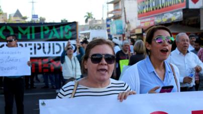 #FOTOGALERÍA | Marchan culichis en repudio a malos gobiernos y políticas como el gasolinazo