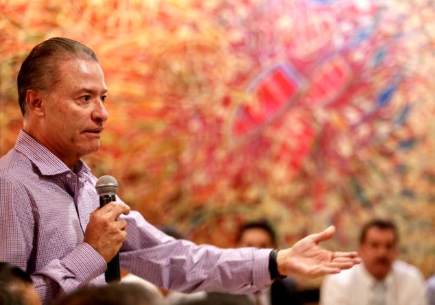 Efecto ESPEJO | Quirino Ordaz va un paso adelante en medidas de austeridad