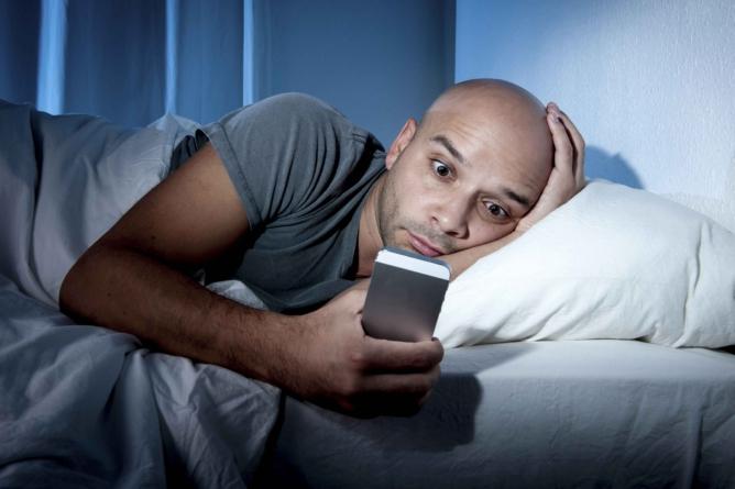 5 malos hábitos que no te dejan bajar de peso   No te duermas tarde… ¡engorda!
