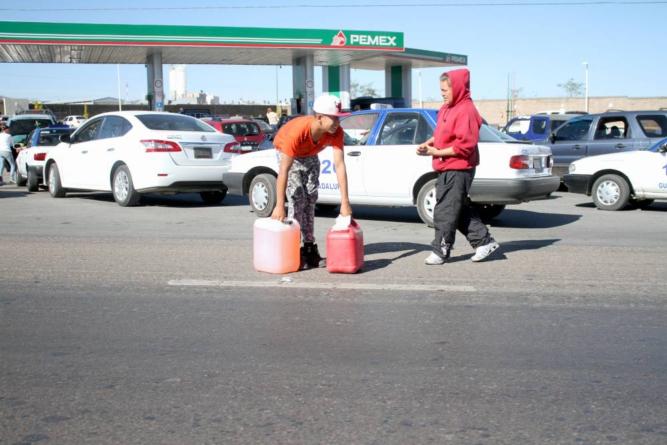 ¿Estás almacenando gasolina en casa? | Conoce y evita los riesgos