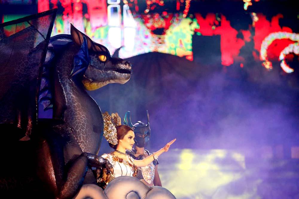 Viviana I, entre alebrijes y dragones.