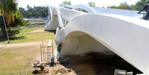 Malas obras en Sinaloa   También el puente bimodal del Zoológico de Culiacán presenta daños