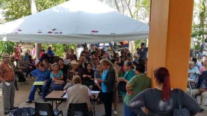 Adultos mayores | El viacrucis bimestral por el '65 y más'
