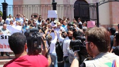 ¡Ni un periodista más!   Periodistas sinaloenses claman por justicia para Miroslava