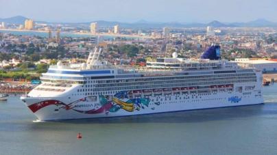 Llegan más turistas por cruceros a México pero cada vez gastan menos
