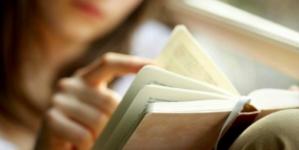 Mexicanos dedican 38 minutos a la lectura diaria y prefieren libros que sitios web
