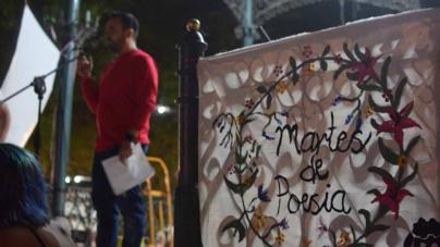 Poetas rescatan del abandono cultural el quiosco de la plazuela Obregón