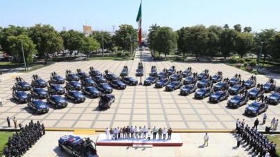 Quirino entrega patrullas y dice desconocer sobre el nuevo líder del cártel de Sinaloa y de grupos delincuenciales