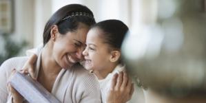 Día de las madres | ¿Cuánto vale el cariño por mamá?