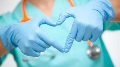 ¿Día de qué? | Enfermeros de todo el mundo alzan la voz en redes sociales