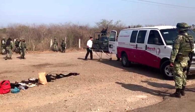 Militares en operativo de persecución en Mazatlán chocan contra tráiler y 2 mueren
