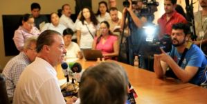 Busca gobernador reducir tiempos de campaña y prerrogativas en años no electorales