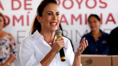 Cumple DIF Sinaloa primera etapa: recorre primera dama los 18 municipios dando apoyos
