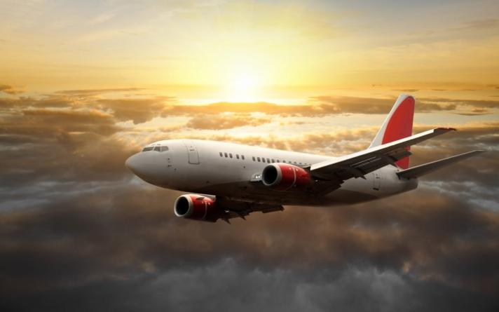 LO LEGAL ES   ¿Se retrasó o canceló tu vuelo?… tienes derecho a una indemnización
