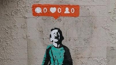 #EspejoNegro | Todo sea por los likes: 1000 'me gusta' y no le quito la vida a mi hijo